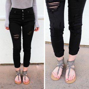 NWT KanCan Jeans Irene Button Fly Distress Skinny